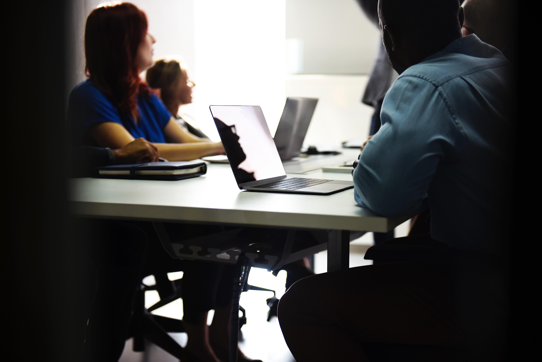 Realiza prácticas profesionales durante la universidad para tener un mejor curriculum