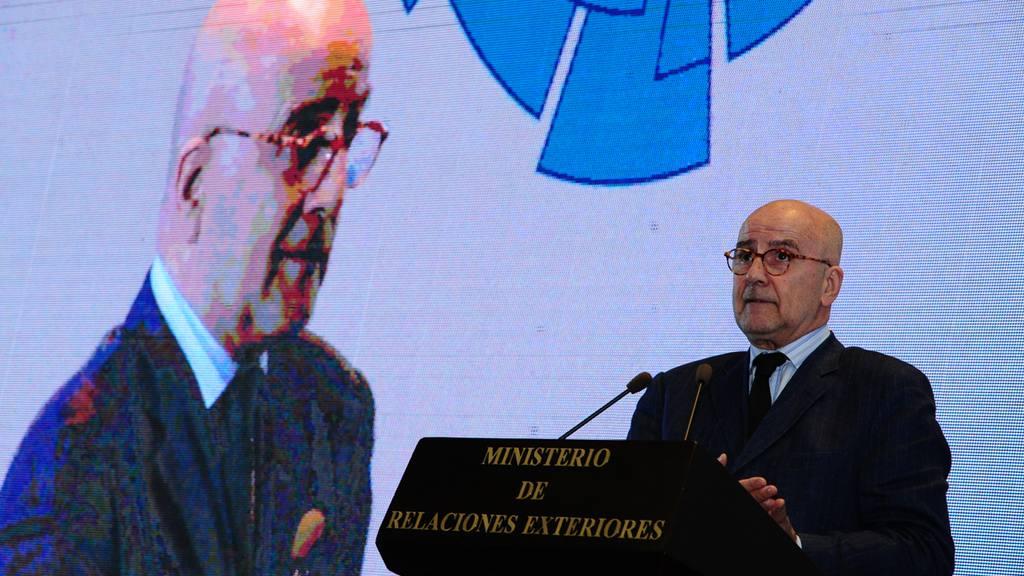 Estudiar Relaciones Internacionales para ayudar a los paises como Álvaro de Soto